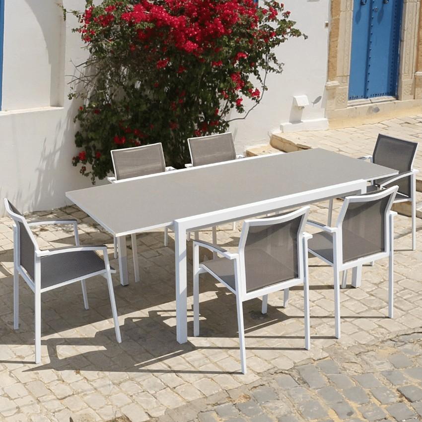 conjunto de muebles de terraza con piscina celanova