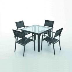 Conjunto de mobiliario para jardines Portas