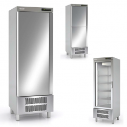Armario de cocina en acero inox refrigerador.