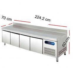 Mesa para planchas baja con frío para cocinas.