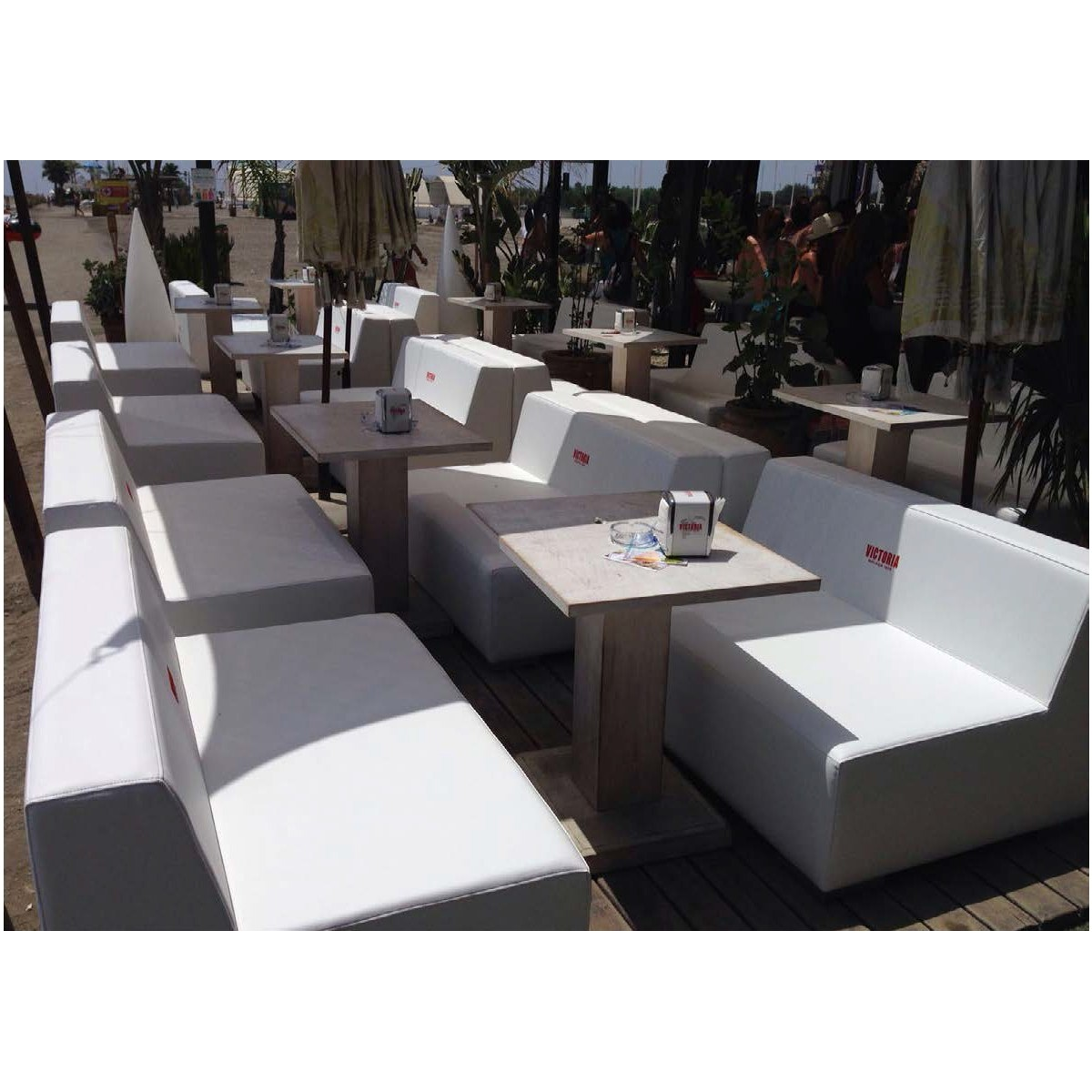 Sofa esquinero con tela de barco de exterior marbella for Tela sofa exterior